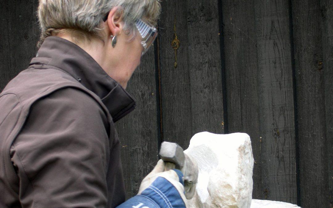 Steinbildhauen mit Guna Scheffler